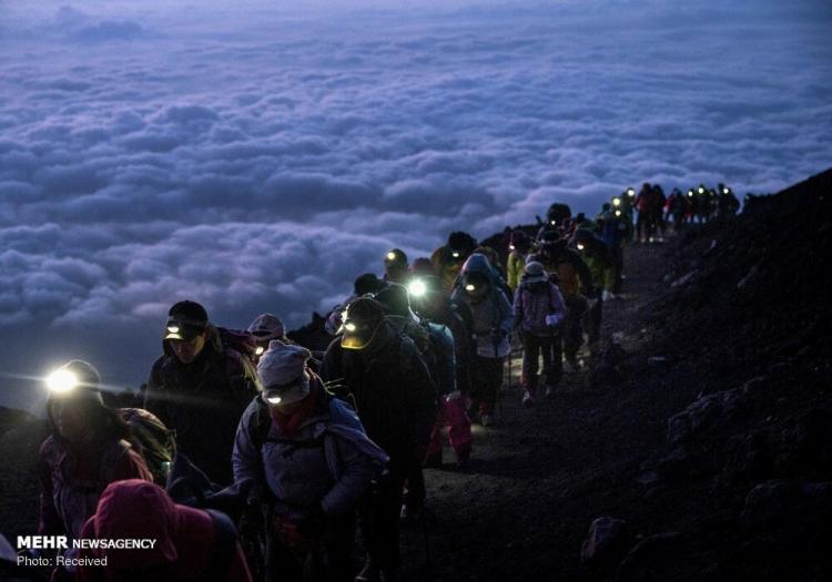 تصاویر طلوع خورشید بر فراز کوه فیجی,عکس های طلوع خورشید بر فراز کوه فیجی,تصاویربلندترین کوه آتشفشانی ژاپن