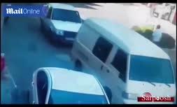 فیلم/ زیر گرفتن دو مرد توسط زن موتورسوار در ترکیه