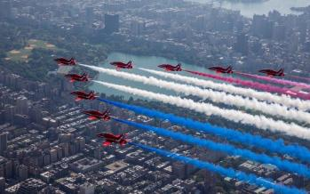 تصاویر نمایش جنگندهها در آسمان نیویورک,عکس های نمایش جنگندهها در آسمان نیویورک,تصاویر نمایشگاه بینالمللی هوایی نیویورک