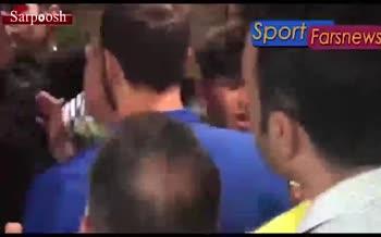 فیلم/ جنجال پشت در رختکن استقلال و وساطت زرینچه برای پایان درگیری