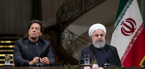 روحانی: سرنخهایی از عامل حمله موشکی به نفتکش ایرانی داریم