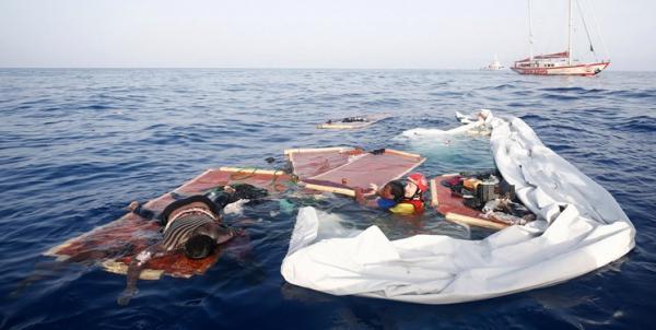 واژگون شدن قایق مهاجران در سواحل ایتالیا,اخبار حوادث,خبرهای حوادث,حوادث
