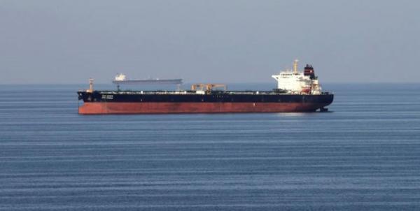 انفجار در بدنه نفتکش ایرانی در دریای سرخ بر اثر اصابت موشک/ شرایط نفتکش پایدار است/ افزایش قیمت نفت