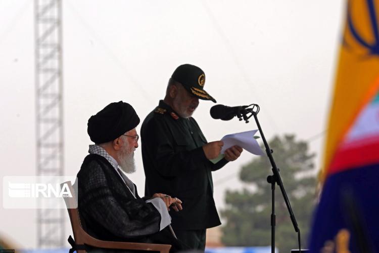 تصاویر حضور آیت الله خامنهای در دانشگاه امام حسین,عکس های حضور رهبر انقلاب در دانشگاه امام حسین,تصاویر فرمانده کل قوا