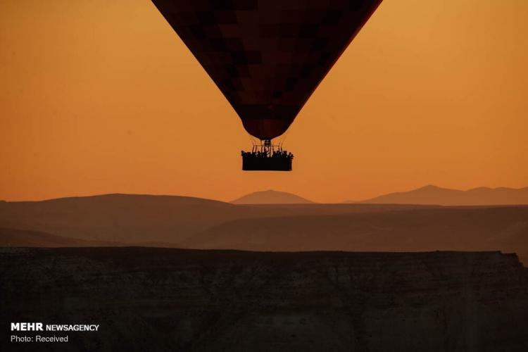 تصاویر پرواز بالون ها بر فراز کاپادوکیا,عکس های کاپادوکیای ترکیه,تصاویر دیدنی از کاپادوکیا