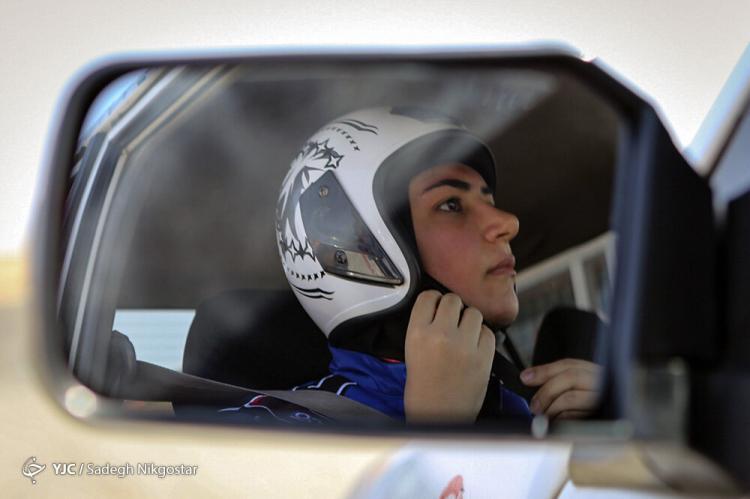 تصاویر مسابقات اتومبیلرانی با حضور زنان,عکس های مسابقات اتومبیلرانی با حضور زنان,تصاویر مسابقات اتومبیلرانی امدادی اسلالوم