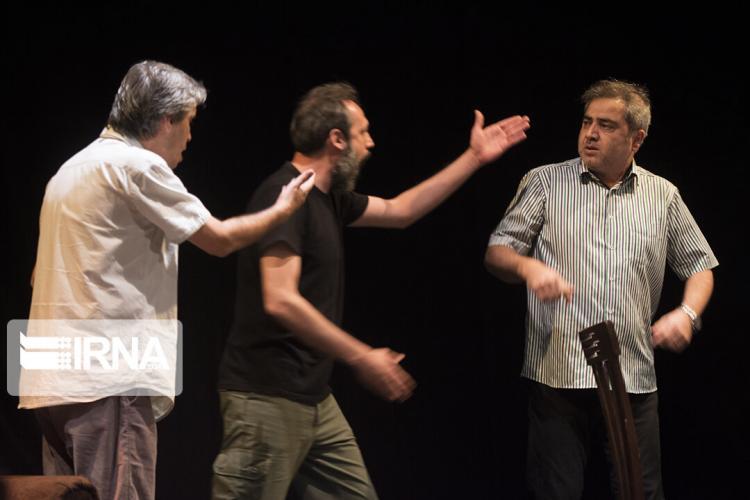 تصاویر نمایش تالاب هشیلان,عکس های اجرای تئانر,تصاویر تالاب هشیلان در تهران
