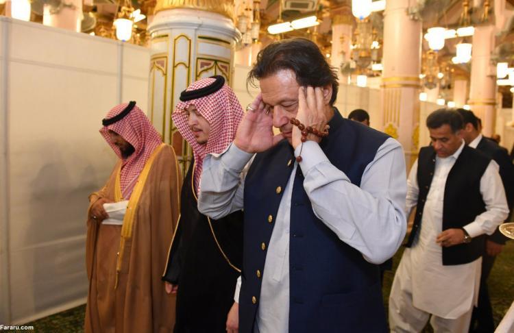 تصاویر عمران خان در حرم پیامبر,عکس های عمران خان در عربستان,تصاویر عمران خان