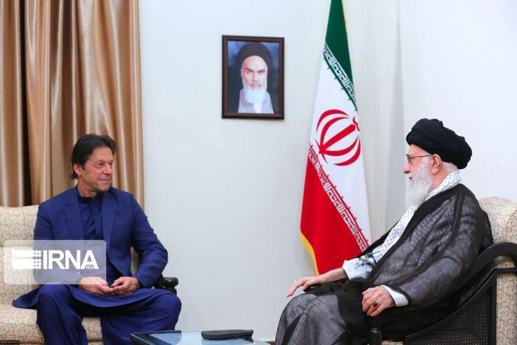 تصاویر دیدار رهبر انقلاب و عمران خان,عکس های دیدار آیت الله خامنه ای و عمران خان,عکس های دیدار نخست وزیر پاکستان و رهبر انقلاب