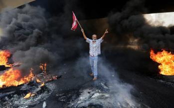 تصاویر اعتراضات لبنان,عکس های بحران در لبنان,تصاویر متعرضان لبنانی