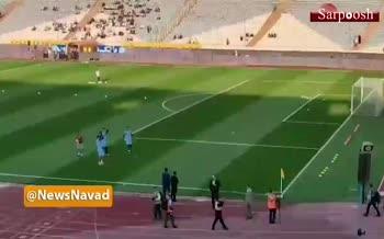 فیلم/ واکنش بازیکنان تیم ملی ایران به حضور بانوان در ورزشگاه آزادی