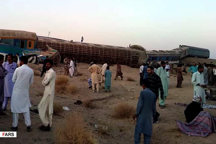 تصاویر خروج قطار زاهدان - تهران از ریل،عکس های حادثه برای قطار زاهدان به تهران,تصاویر خارج شدن قطار از ریل در سیستان و بلوچستان