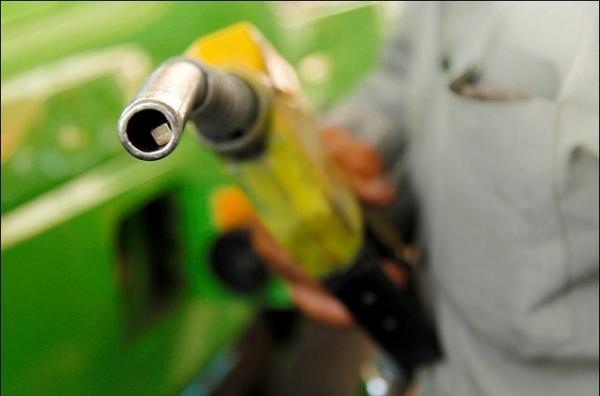 سهمیه بندی بنزین,اخبار اقتصادی,خبرهای اقتصادی,نفت و انرژی