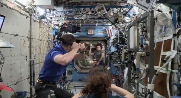 انجام بازی بیسبال در فضا,اخبار علمی,خبرهای علمی,نجوم و فضا