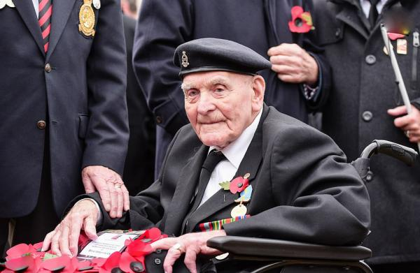 مراسم یادبود نظامیان بریتانیایی جنگ جهانی دوم,اخبار سیاسی,خبرهای سیاسی,سیاست