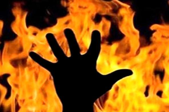 خودسوزی مقابل فرمانداری زاهدان,اخبار حوادث,خبرهای حوادث,حوادث امروز