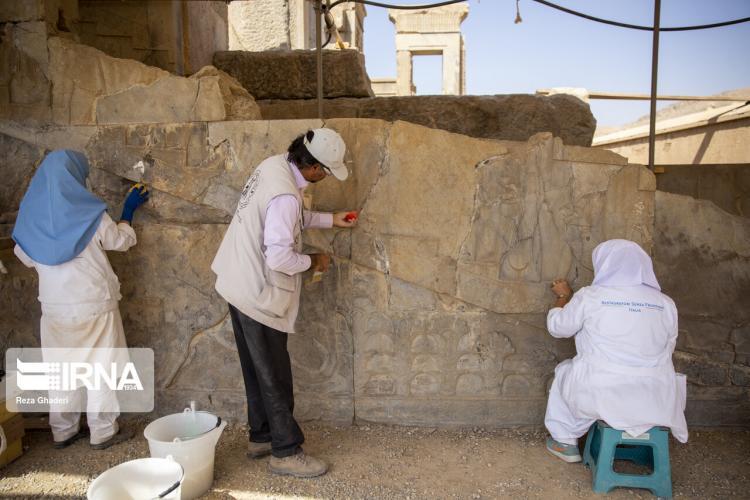 عکس های فعالیت مرمتگران بدون مرز در تخت جمشید,تصاویر تخت جمشید,عکس های مرمت سنتی مرمتگران ایرانی