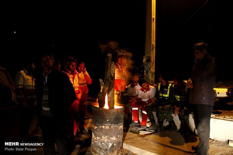 تصاویر امداد رسانی به روستای زلزله زده ورنکش,عکس های روستای زلزله در ورنکش,تصاویر مناطق زلزله زده در شهرستان میانه