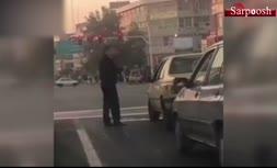فیلم/ واکنش جالب پلیس به انداختن سیگار روی زمین توسط یک راننده