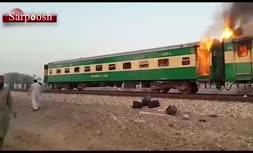 فیلم/ آتشسوزی قطار در پاکستان با 73 کشته