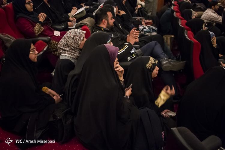 تصاویر اولین اکران مستند ایکسونامی,عکس های اکران مستند ایکسونامی,تصاویر تماشاگران در حال تماشای مستند ایکسونامی