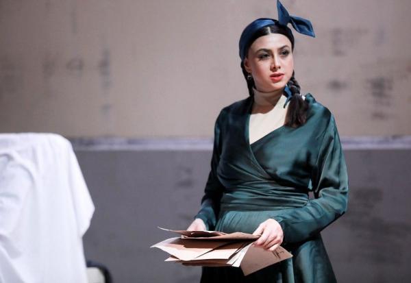 آزاده صمدی,اخبار تئاتر,خبرهای تئاتر,تئاتر