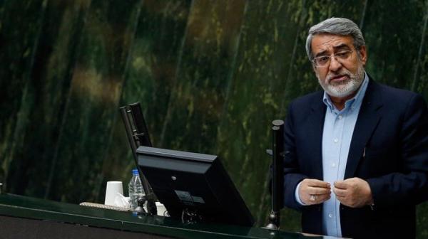 مازنی، نماينده تهران خطاب به رحمانی فضلی: مسئولیت اتفاقات را بپذیر و با جوانمردی از وزارت کشور استعفا بده