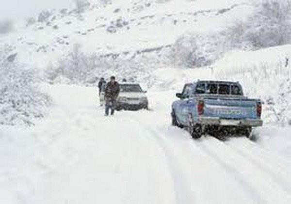 بارش شدید برف در روستای الیگودرز,اخبار اجتماعی,خبرهای اجتماعی,وضعیت ترافیک و آب و هوا