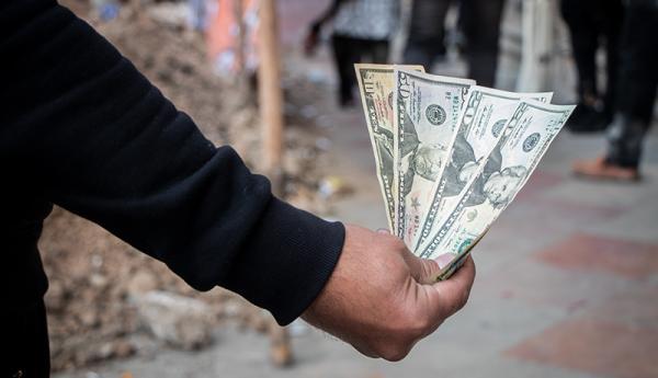 هجوم ناکام نوسانگیران دلار