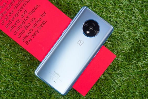 بهبود قابلیتهای OnePlus 7T با بروزرسانی جدید آن