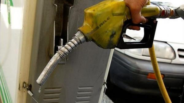 بنزین ۳ هزار تومانی حذف میشود؟/ مردم این ماه منتظر یارانه بنزین نباشند!