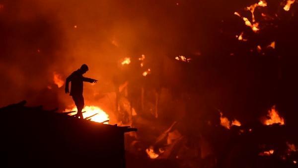 انفجار کارخانه مواد پلاستیکی در بنگلادش,کار و کارگر,اخبار کار و کارگر,حوادث کار