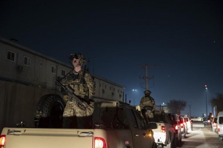 تصاویر سفر ناگهانی ترامپ به افغانستان,عکس های سفر ترامپ به افغانستان,عکس های ترامپ در پایگاه بگرام