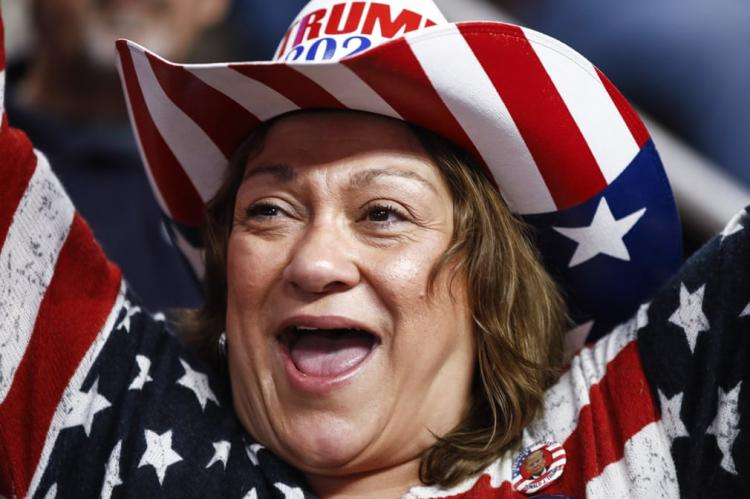 تصاویر لباسهای طرفداران ترامپ,عکس های لباسهای طرفداران ترامپ,تصاویر طرفداران رییس جمهوری آمریکا