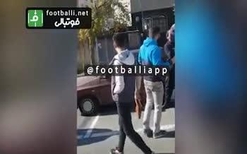 فیلم/ شعار هواداران خشمگین استقلال