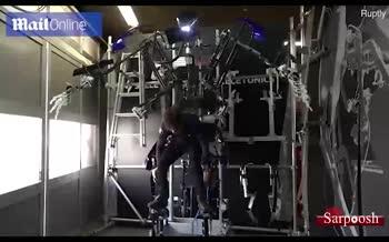 فیلم/ کت شلوار رباتیک ساخته شد