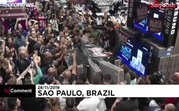 فیلم/ جنون خرید جمعه سیاه در برزیل