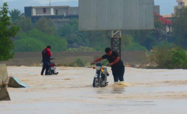 اعلام وضعیت فوقالعاده در استان هرمزگان/ طغیان رودخانه مسیر جاسک به بشاگرد را مسدود کرد
