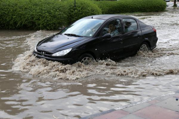 بارش باران سیلآسا در جنوب شرق کشور