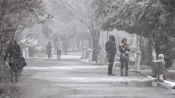 بارش برف زمستانی در اصفهان,اخبار اجتماعی,خبرهای اجتماعی,وضعیت ترافیک و آب و هوا