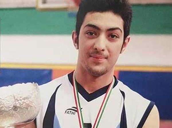حکم اعدام آرمان پسر ۲۳ ساله متهم به قتل، به مدت ۳۰ روز متوقف شد