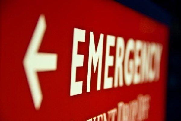 برخورد اتوبوس با پل عابر پیاده در اهواز,اخبار حوادث,خبرهای حوادث,حوادث