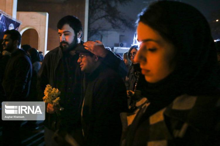 تصاویر گرامیداشت جانباختگان در حادثه سقوط هواپیمای اوکراین,عکس های شریف در سوگ فرزاندانش,تصاویر جانباختگان در حادثه سقوط هواپیمای اوکراین