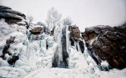 تصاویر آبشارگنجنامه,عکس های یخ نوردی در آبشارگنجنامه,تصاویر جاذبههایگردشگردیشهر همدان