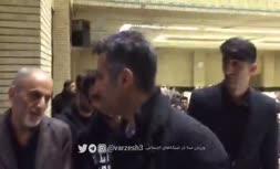فیلم/ حضور عادل فردوسیپور در مراسم ختم نادر باقری