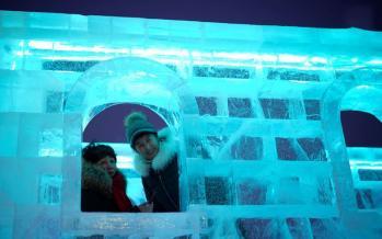 تصاویر جشنواره مجسمههای یخی و برفی,عکس های جشنواره مجسمههای یخی و برفی,تصاویر جشنواره مجسمههای یخی در هاربین چین