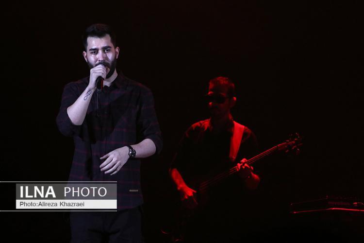 تصاویر سی و پنجمین جشنواره بین المللی موسیقی فجر,عکس های کنسرت امید حاجیلی,تصاویر کنسرت علی یاسینی