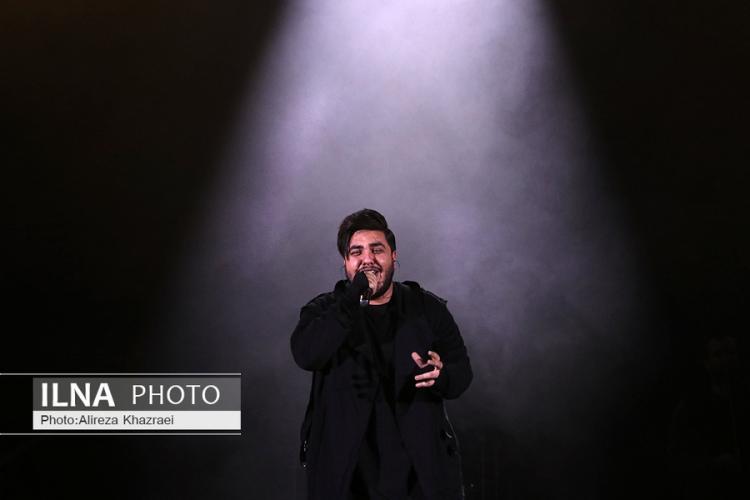 تصاویر کنسرت آرون افشار,عکس های کنسرت آرون افشار,تصاویر کنسرت آرون افشار در جشنواره موسیقی فجر