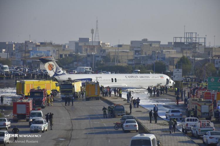 تصاویر هواپیمای مسافری تهران به ماهشهر,عکس های سقوط هواپیمای مسافری تهران به ماهشهر,تصاویر حادثه هواپیمای تهران به ماهشهر