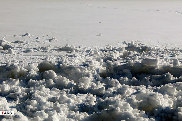 تصاویر بارش برف شدید در گیلان,عکس های وضعیت جاده های گیلان,تصاویر مشکلات در گیلان